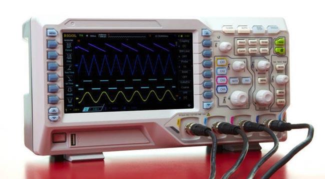 Osciloscopio digital de cuatro canales con tecnología UltraVision