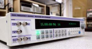 Generador medidor de frecuencias GPS