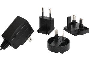 Fuente compacta de 6 W con clavijas intercambiables