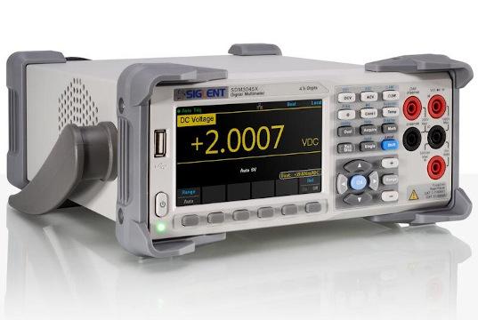 Multímetro con resolución digital de hasta cuatro dígitos